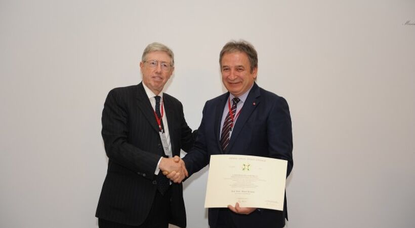 Sisecam CEO awarded with the Order of the Star of Italy