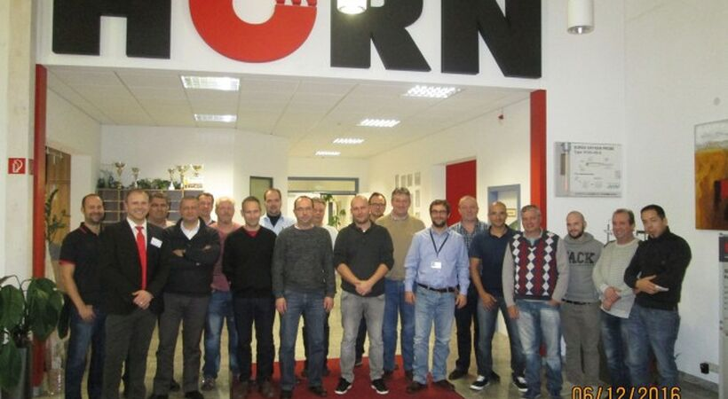 Horn safety seminar attracts global glassmakers