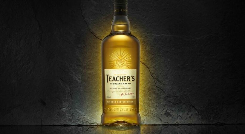 O-I produces thistle embossed bottle for Teacher's Scotch whisky